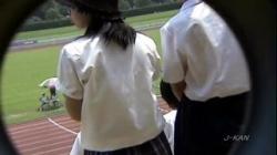 盗撮【陸上女子の後輩たち】埼玉県陸上競技場で応援していると「透けブラ」やムチムチ「太もも」が#8230;!! の画像