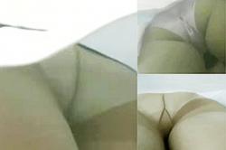 盗撮 逆さ撮り~【パンチラ】~「歯科医院」の「歯科助手」の「生パン」~三名の「白衣」の「スカート内」を接写~っ!!の画像