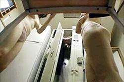 《高画質》盗撮【ロッカールーム】~「更衣室」で「ナース」が「白衣」を脱いで~「夜勤明け」なので「下着」も「着替え」ます~!!の画像