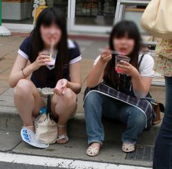 美脚エロ太ももに頬ずりしたくなるww 街撮りJK私服画像の画像