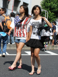 「若さ=エロス」すべすべ美脚に目が釘付けになるJC街撮り私服画像の画像