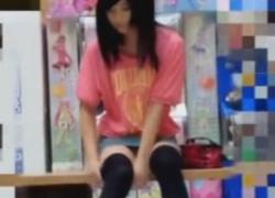 ニーハイ#038;デニムミニスカ絶対領域私服JKちゃんを盗撮しちゃう動画の画像