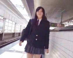 【ふくろう】女子校生のキャラP&柄P隠し撮り!ハート、ボーダー、ミッキー&ミニーなどの画像
