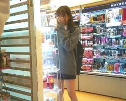 女子校生痴漢 店で見つけた可愛い制服美少女をトイレ連れ込みゲスレイプ!の画像
