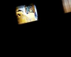 玄関ポストの隙間から室内隠撮!一人暮らし女性の生態観察の画像