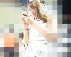 駅で見かけた美女のスカート内を絶景アングルで隠し撮りの画像