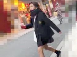 【パンチラ盗撮】制服姿の激カワ素人娘をストーカーし電車内でスカートの中の隠し撮りに成功したお宝映像がネット拡散【個人流出】の画像