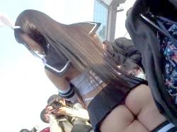 【個人流出】野外でコスプレ撮影会してるデカ尻丸見えの超ミニスカ露出狂素人娘のコスプレイヤーを盗撮したお宝映像【素人投稿】の画像