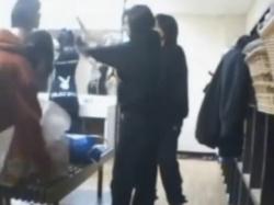 《着替え動画》大浴場の脱衣所で着替える女子たちを隠し撮り盗撮の画像