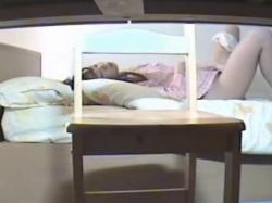 《オナニー動画》勉強が手につかない少女の自慰行為を隠し撮り盗撮の画像