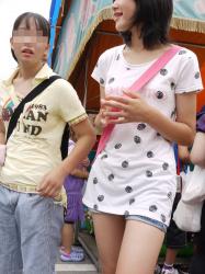 【貧乳】小さいには小さいなりの良さがある貧乳女子を街撮り盗撮の画像