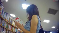 #盗撮的妄想ニュー#無防備に立ち読みしてる女子のパンティを無警戒に逆さ撮りしてパクられた男#Case271#の画像