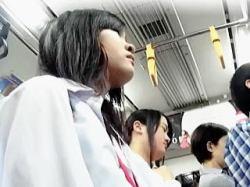 【盗撮】毎週月曜日の朝は女子校生たちのパンティチェックの日と決めてる几帳面な撮り師♪の画像