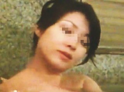 【盗撮】老舗高級温泉旅館の女湯であり得ない距離から全裸を盗み撮られた色っぽマダムたち♪の画像