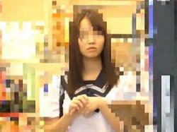 【盗撮】電車で痴漢魔に中出しレイプされた純白パンティが良く似合うセーラー女子校生♪の画像
