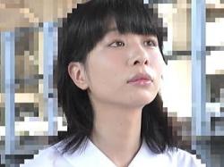 【盗撮】美白美肌で学級委員タイプの女子校生が痴漢の肉棒で無慈悲に中出しレイプされてた♪の画像