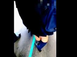 【盗撮動画】鬼門の埼〇線なのに女性専用車両に乗らすに痴漢に濃厚接触された女子校生♪の画像