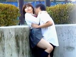 【盗撮動画】場所もわきまえず昼夜問わずに野外セックスしてる性獣学生カップルたちの痴態♪の画像
