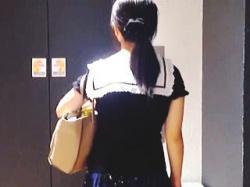 【盗撮動画】エレベーターに美少女ルックの女の子と二人きり。これはもう痴漢OKのサインだ♪の画像
