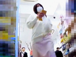 【盗撮動画】近所に病院があるコンビニには看護師さんのパンチラを狙う撮り師も存在する件♪の画像