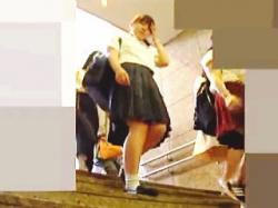 【盗撮動画】パンチラNGをアピールしてる健康的な女子校生の禁断の下半身は見応え十分♪の画像