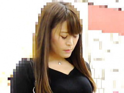 【盗撮動画】電車で一発!駅のトイレで一発!中出しレイプされた女子アナ風味のお姉さん♪の画像
