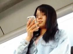 【盗撮動画】美脚美少女の眩しいパンチラ眺めてたら怪しい車に乗り込んで去っていきますた♪の画像