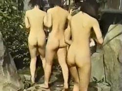 【盗撮動画】温泉宿の露天風呂でヤリ盛りの全裸美ボディを覗き撮られた女子会ギャルたち♪の画像
