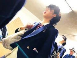 【盗撮動画】間違いなくJKジャンルど真ん中にいる女子校生の清純で無垢なパンチラに大興奮♪の画像