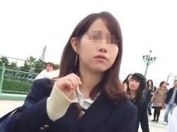 【盗撮動画】上級者になると生JKの顔を見ながら生制服生脚だけでシコシコできてしまう件♪の画像