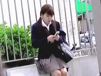 【盗撮動画】この時この女子校生はまだ知らない。この後に起こる人生最大の破廉恥な体験を♪の画像