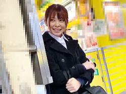 【盗撮動画】駅のホームでナンパを拒否ったら電車で痴漢されて精子ぶっ掛けられたお嬢さん♪の画像