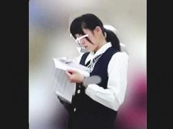 【盗撮動画】パンスト越しの麗しいパンティを撮られたデパートで働く制服姿の店員さんたち♪の画像