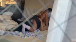 女子高生のセックスをベランダから覗き盗撮した画像&動画の画像