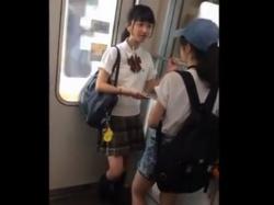 地下アイドル疑惑の超絶美少女な制服JCのパンチラを盗撮したガチ映像、ネットに出回ってしまっていたの画像