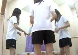 ハーパン体操服でバレエ教室に来た女子生徒、着替えの一部始終を盗撮される・・・の画像