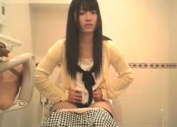 某有名コンビニ女子トイレにて盗撮事案!問題の動画が流出してしまう→こちらの画像