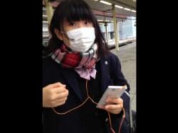 清純ウブそうな制服女子校生に声掛けからの危険すぎる捲りパンチラ!!の画像