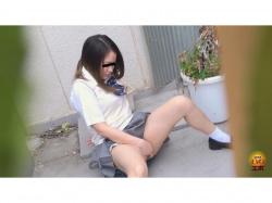 追跡盗撮 路地裏に出没 女子校生野外オナニスト2の画像