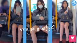 【voyeur#54】対面に座ったお姉さんを隠し撮りするものの、バレて暴言を吐かれるの画像