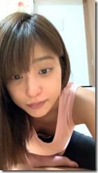 岡副麻希がインスタライブで胸ちら、ブラちらしてるセクシーGIFwwwの画像