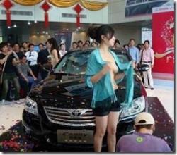 中国のモーターショー、露出が多すぎてなんか笑える?wwwの画像