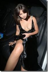 美人のハリウッド女優、アナ・デ・アルマスがうっかり乳輪ポロリしてしまう(乳首が見えてるヌード画像あり)wwwの画像